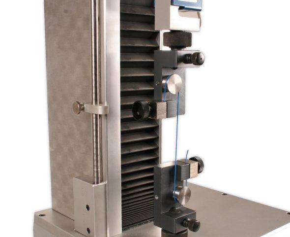 Universalprüfmaschine ZPM mit Schraubspannkopf TH76-5