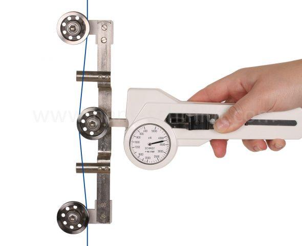 Tension Meter DXL mit eingefädeltem Messgut