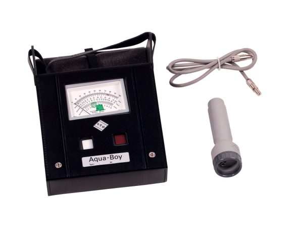 Moisture Meter with standard accessories